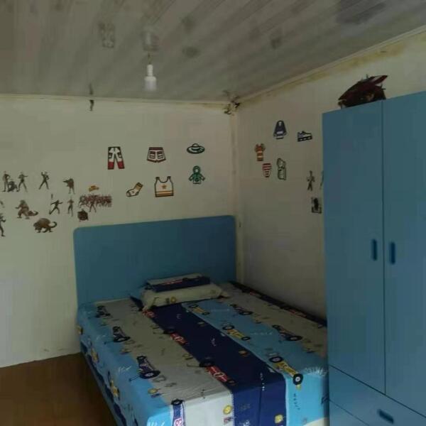 """""""煥新""""改造后小毅擁有了自己的新房間"""