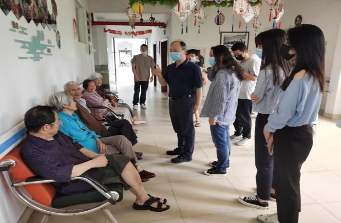 本次采风活动的第一站——安吉县社会福利中心